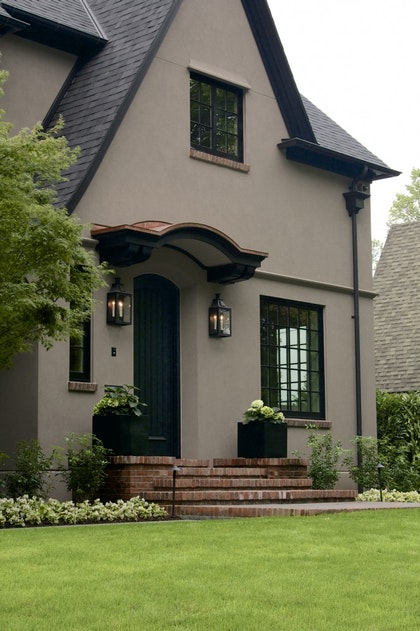 See This Year S Most Sophisticated Exterior Color Combo Home And